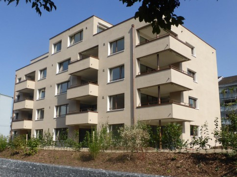 Für Sie bereit: Moderne 4.5-ZImmer-Wohnung mit grossem Balkon