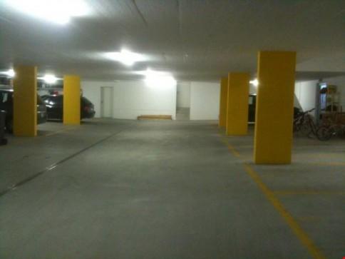 Garage 47.5 m2 (2 Autos + 2 Motos) zu vermieten