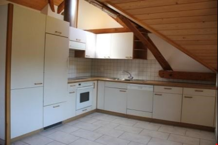 grosse 4,5-Zimmerwohnung mit Balkon