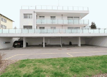 Grosse helle Wohnung mit Seesicht (Nehme Angebote an)