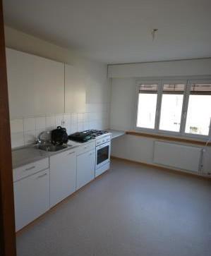 grosszügige 2,5-Zimmerwohnung im Hochparterre mit Balkon