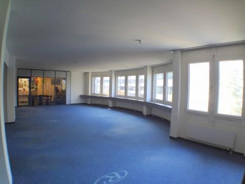 Grosszügige Büroflächen mit Schulungsraum