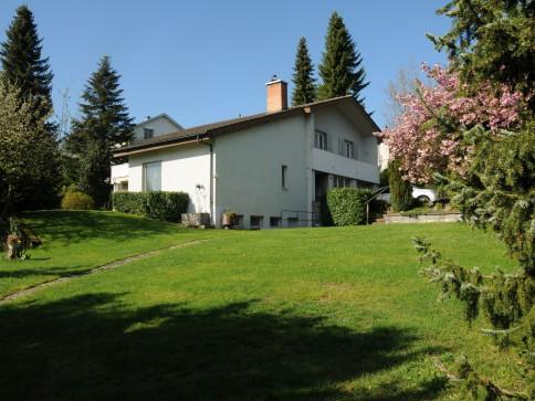 Grosszügiges Einfamilienhaus an Top-Aussichtslage