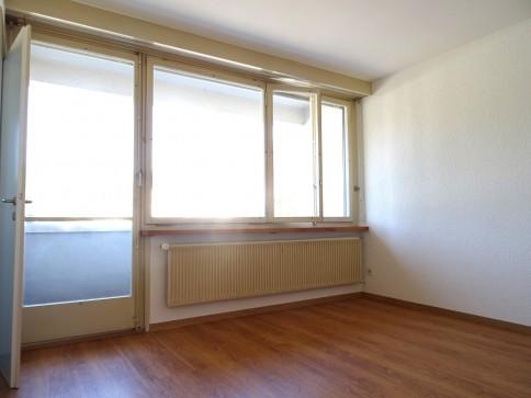 Helle 1.5- Zimmerwohnung im 1.OG, mit Balkon, im Stadtzentrum.