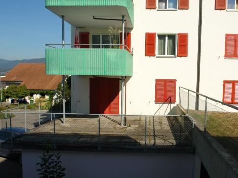 Helle, sonnige 4 Zimmer-Wohnung mit grosser Terrasse