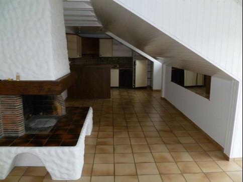 Helle, sonnige Wohnung mit separater Dusche+ WC, zwei Zimmer mit Lamin