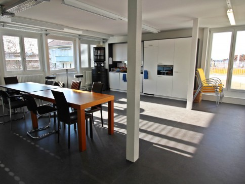 Modern ausgebaute Büroräume in Bahnhofsnähe