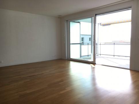 moderne 3.5-Zimmer-Wohnung mit Balkon