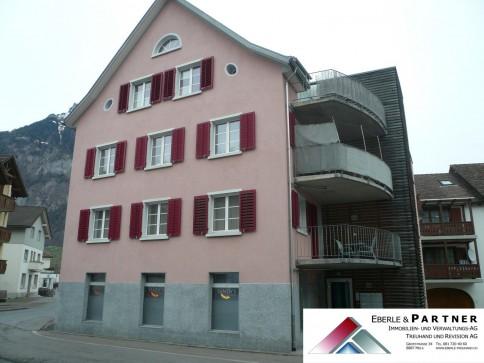 moderne 3.5 Zimmerwohnung mit Balkon im Herzen von Mels, 87 m²