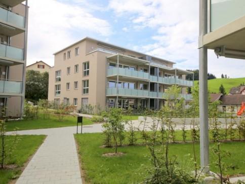 Moderne Attika-Wohnung mit zwei Terrassen!