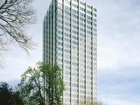 """Moderne Büroräumlichkeiten in Winterthurs Markenzeichen """"WINTOWER"""""""