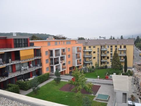 Moderne Büroräumlichkeiten mit Schaufenster