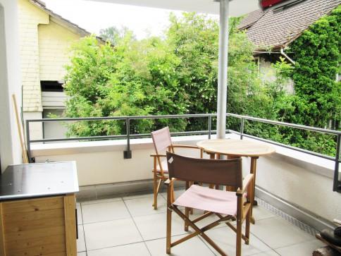 Moderne, grösszügige Wohnung an zentraler und ruhiger Lage
