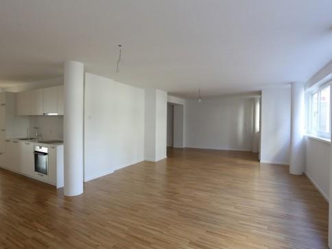 Moderne, grosse Praxis- / Wohnräumlichkeiten im EG Nähe Morgartenring
