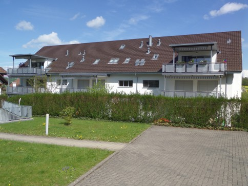 Moderne, helle Wohnung in ländlicher Idylle