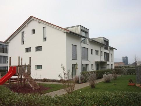 Moderne und helle Wohnung 4.5-Zi. Whg. in kinderfreundlicher Umgebung