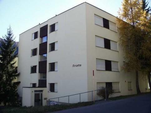 möblierte 1 1/2 Zi-Wohnung mit Hallenbad, Sauna + Süd-Balkon