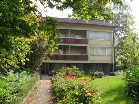 Neue moderne und grosszügige 3 Zimmer Wohnung mit Garten