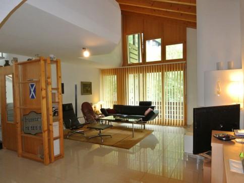 Neuwertige, helle 3.5-Zimmer-Dachmaisonette an zentraler Lage