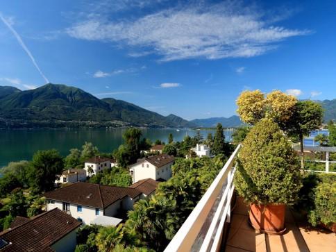 Penthouse - con vista lago incantevole!