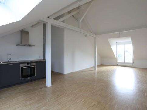Renovierte 1-Zimmer-Dachwohnung im Iselin Quartier