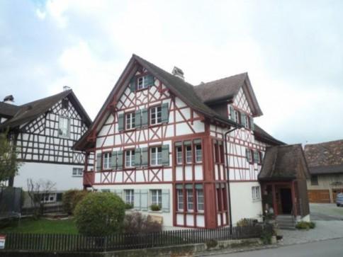Rustikale 3.5-Zimmer-Maisonette-Wohnung im Zentrum von Roggwil