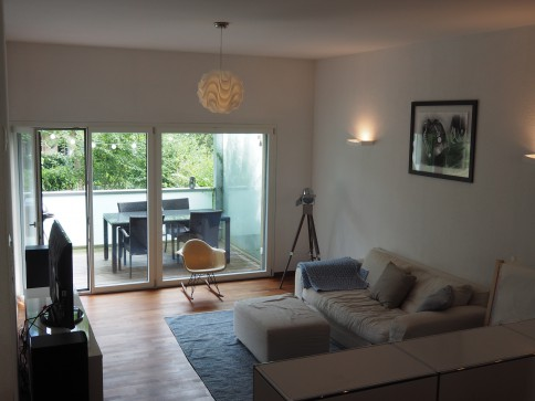 Schöne 4.5 EG-Zimmerwohnung mit Garten