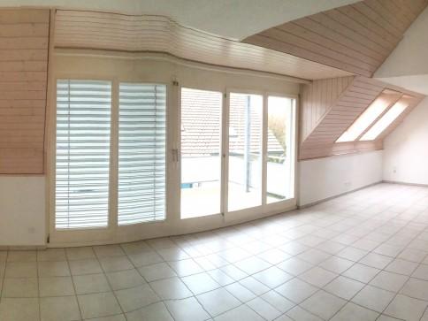 Schöne 4 Zi. Wohnung im Dachgeschoss in Grosshöchstetten