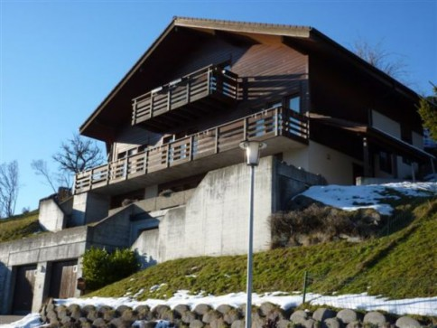 schöne, helle 2-Zimmer-Wohnung zu vermieten in Heiligenschwendi