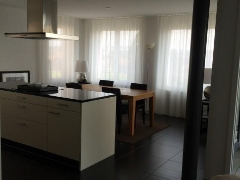 schöne, neue Wohnung im Zentrum von Boswil mit Tiefgaragenplatz