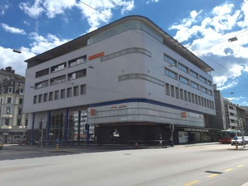 Schul- und Büroräumlichkeiten im Zentrum von Biel