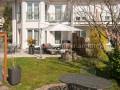 Sehr gepflegtes 5.5-Zi-Eckeinfamilienhaus mit idyllischer Gartenanlage