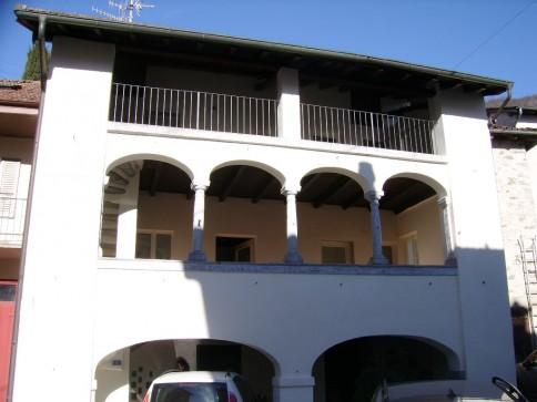 Sessa, appartamento duplex in antica dimora ticinese