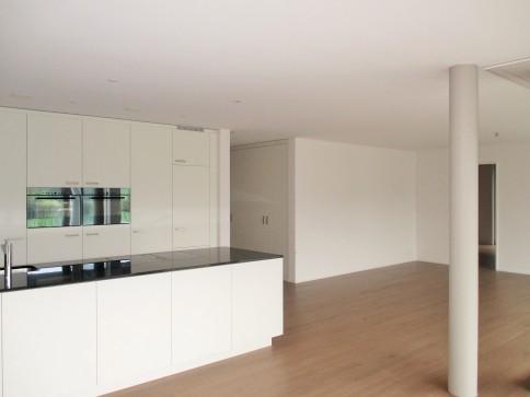 sonnige, grosszügige 3.5 Zi-Wohnung mit lauschigem Gartensitzplatz