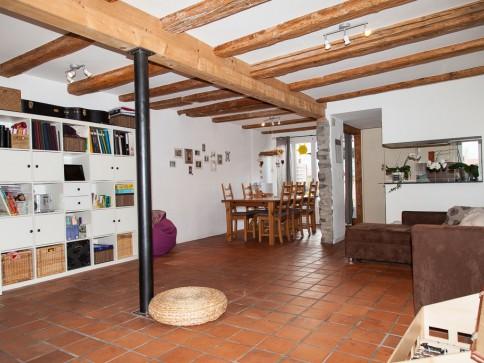 Spacieux duplex 120 m2 dans une ferme rénovée à Sorens