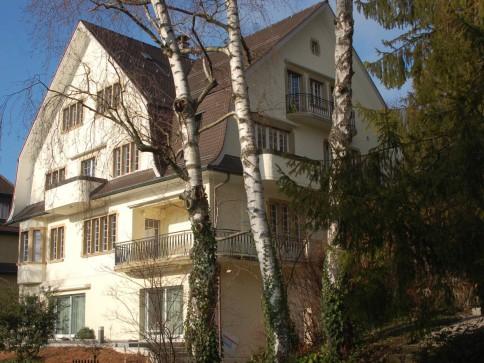 Stimmungsvolle 5.5 Zimmerwohnung in Villa am Zürichberg