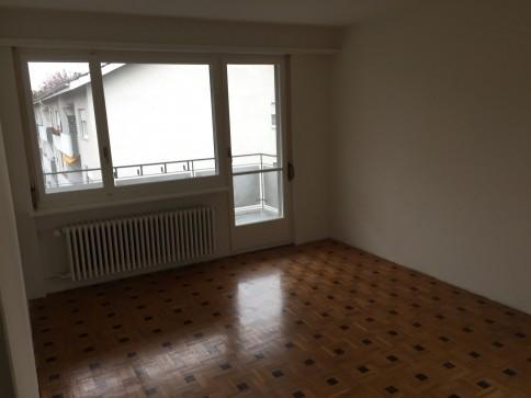Teilsanierte 3.0-Zimmerwohnung an zentraler Lage in Winterthur
