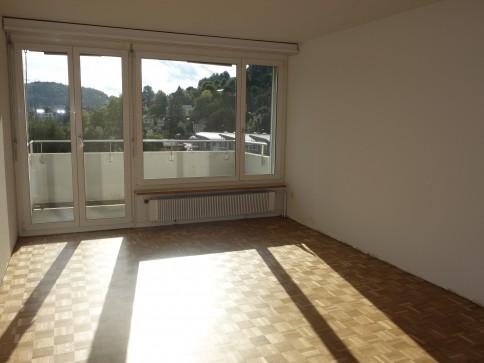 teilsanierte 4.5 Zimmerwohnung mit Weitblick über Uzwil