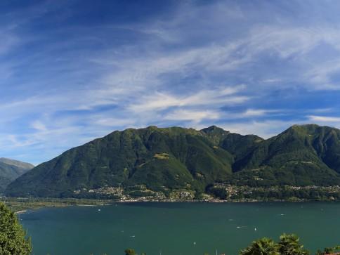 Top Reihenhaus mit super Panorama in Brione s/Minusio