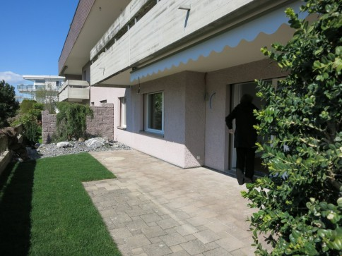 Top renovierte Wohnung mit Gartenanteil