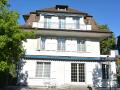 Villa in der Stadt Bern mit Park und Swimmingpool