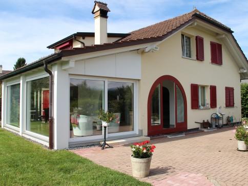 Villa spacieuse de 7.5 pièces avec garage double