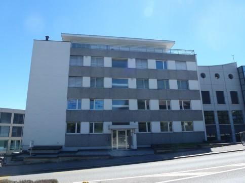 zu verkaufen Praxisräumlichkeiten respektive 5-Zimmerwohnung