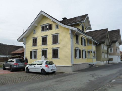 Zwei-Familienhaus