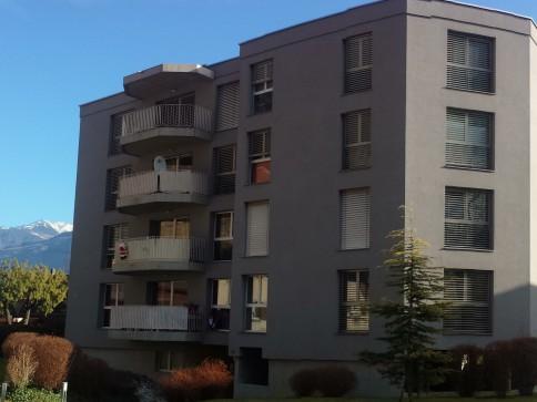 1er loyer GRATUIT- 4 pièces 1/2 dernier étage de l'immeuble