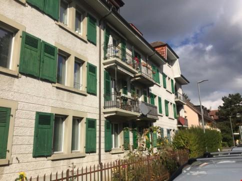 2.5 Zimmer Wohnung mit grosser Wohnküche und Balkon