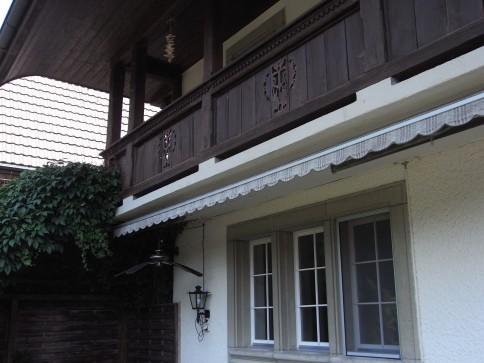 2 Wohnungen, ausbaubare Scheune, Stall und Spycher