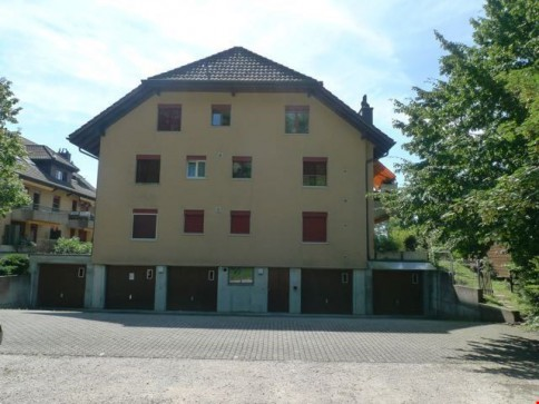 3.5-Zimmer Wohnung im 1. OG, Garage + 2 PP für total CHF 1600.00