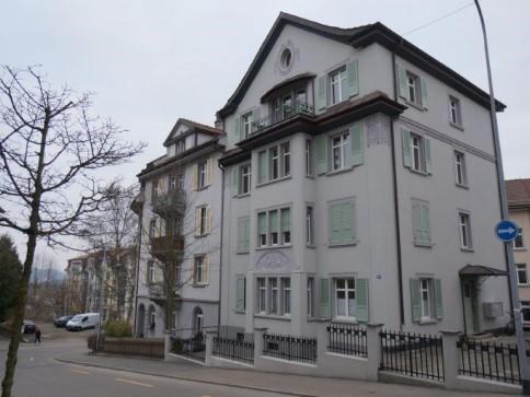 4,0 Zimmer-Jugendstilwohnung im Erdgeschoss zu vermieten