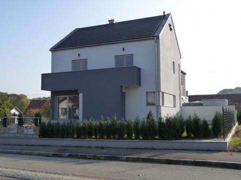 4 1/2 Zi- Dopp.- Einfamilienhaus. 4 km. von Allschwil in Fr.-Neuwiller